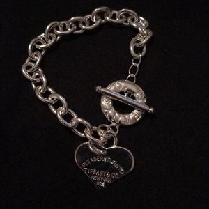 Jewelry - 925 silver toggle heart shaped chain bracelet